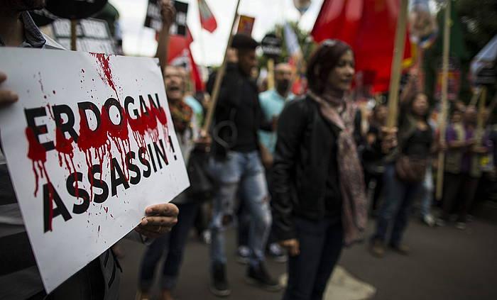 Erasoaldiaren aurkako protesta bat Parisen, joan den astean. ©Ian Langsdon / EFE