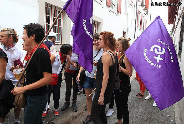 Poteo feminista antolatu zuen PAFek ostiralean. ©Isabelle Miquelestorena