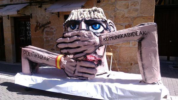 Guardia Zibilak eramandako karrozetako bat. ©/ Ahotsa.info, @Ahotsainfo