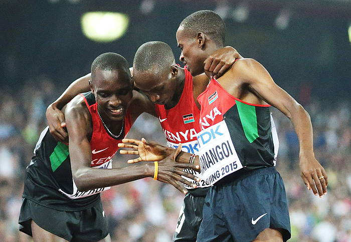 Kenyako korrikalariak 1.500 metroko finalean. ©SRDJAN SUKI / EFE