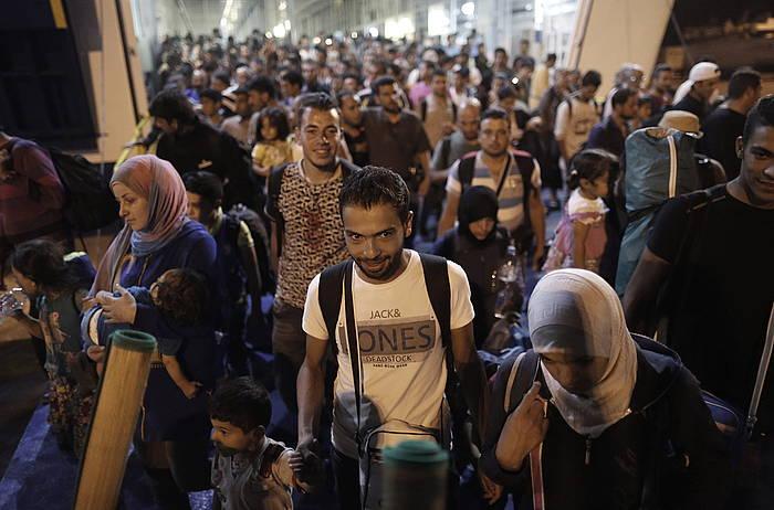 4.200 etorkin heldu ziren atzo Atenasera. ©Yannis Kolesidis / EFE