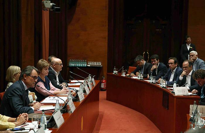 Artur Mas, Kataluniako Parlamentuan azalpenak ematen. ©Toni Albir / EFE
