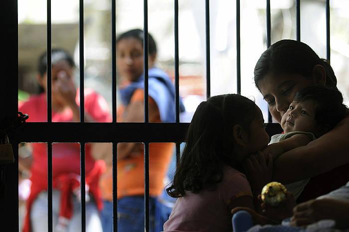 Generoak ezartzen dikzien rolak apurtzea egozten zaie andre presoei. ©Roberto Escobar / EFE