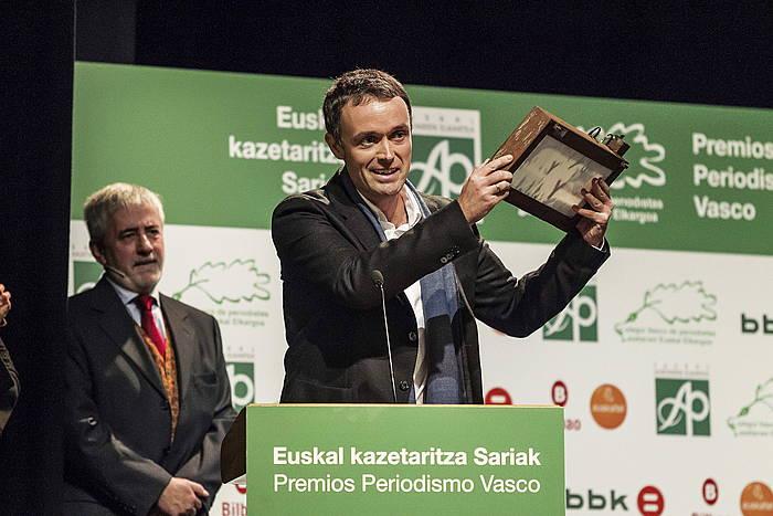 Mikel Aiestaran, saria eskuan./ ©Aritz Loiola, Argazki Press