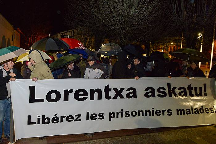 Lorentxa Gimon askatzearen aldeko elkarretaratzea Angelun, urtarrilaren 14an. ©/ Isabelle Miquelestorena
