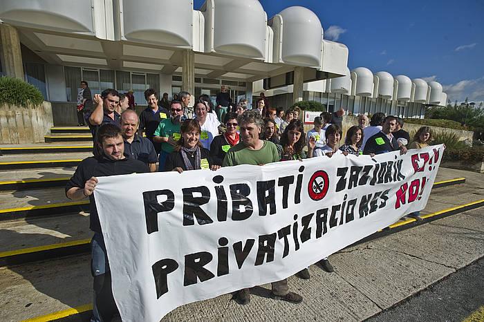 Ospitaleetako janari zerbitzuak pribatizatzearen aurkako protesta, artxiboko irudian. ©/ Argazki Press