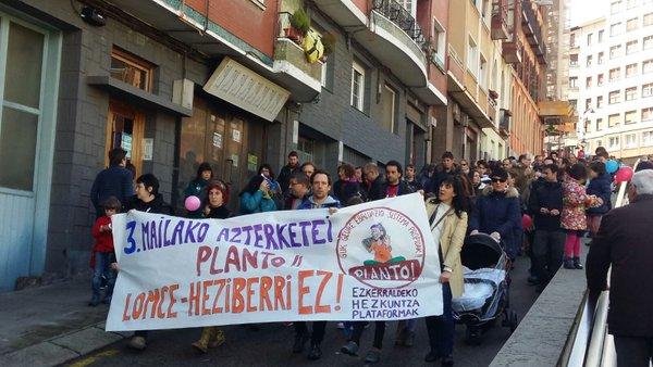 Manifestazioa egin dute Portugaleten ©@Hezk_Topagunea