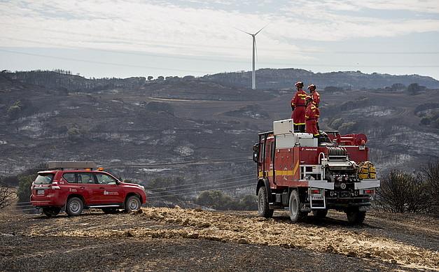 Suhiltzaileak Añorbe eta Artaxoa arteko eremuan, ostiralean. ©IÑIGO URIZ / ARGAZKI PRESS