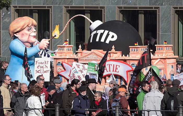TTIP itunaren aurkako protesta bat Berlinen (Alemania), joan den urrian. ©Joerg Carstensen / EFE