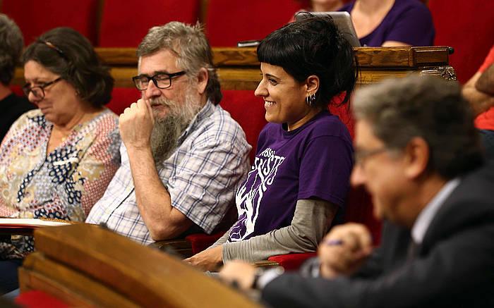Anna Gabriel, Kataluniako parlamentuan konfiantza mozioan. / ©Toni Albir, Efe