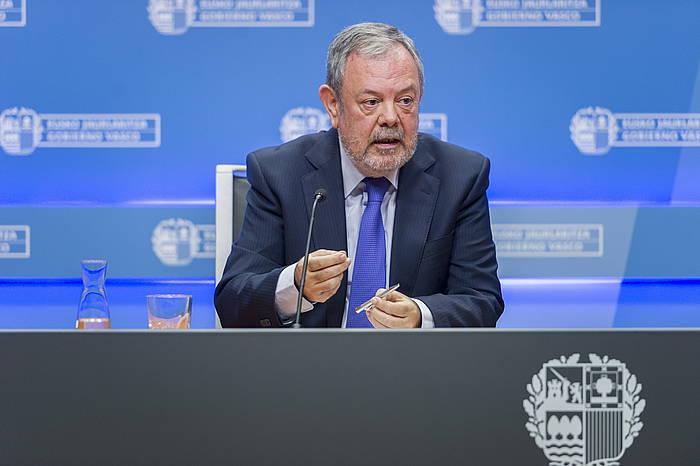 Pedro Azpiazu, Eusko Jaurlaritzako Ogasun eta Ekonomia sailburua. / ©Juanan Ruiz, Argazki Press