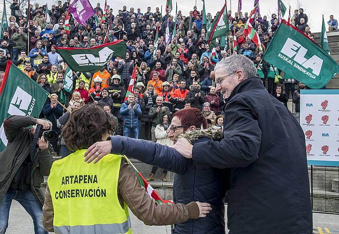 ELAko kideak, borroka sindikal batzuren garaipena ospatzen, Bilbon. ©Marisol Ramirez/ Argazki Press