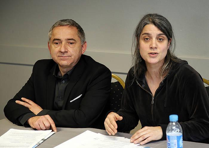 Bake Bideako Christophe Desprez eta Anais Funosas, foroari buruzko agerraldian. ©Bob Edme