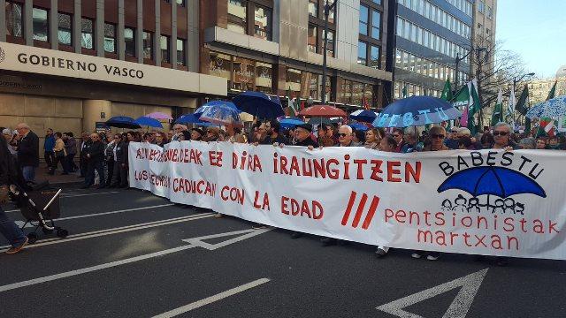 Manifestazio burua, Jesusen Bihotzetik abiatu berritan. ©/ @ehbildubizkaia