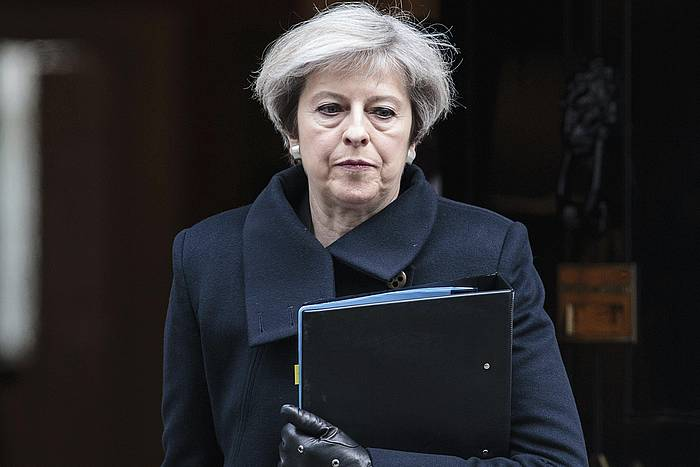 Theresa May, Downing Streeteko 10. zenbakitik ateatzen, joan den astean. ©JACK TAYLOR
