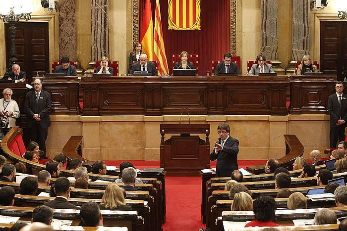 Puigdemont, Kataluniako Parlamentuan hizketan, kontrol saio batean. / ©MARTA PEREZ, EFE