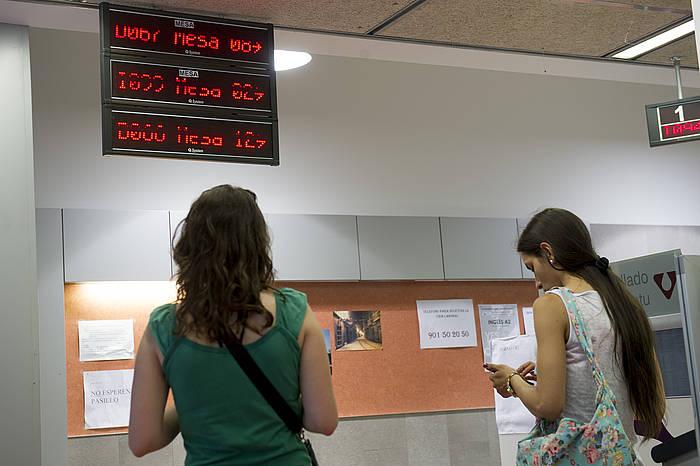 Nafarroako Enplegu Zerbitzuaren bulegoa, Iruñean. / ©Iñigo Uriz, Argazki Press
