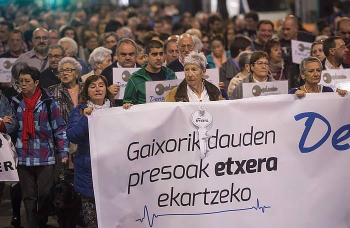 Ibon Iparragirre eta gaixotasun larriak dituzten presoen aldeko mobilizazioa, 2015eko urrian. ©Marisol Ramirez / Argazki Press