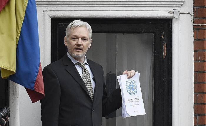 Julian Assange, Ekuadorren enbaxadan, Londresen.