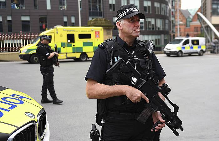 Polizia bat Manchesterren./ ©ANDY RAIN, Efe