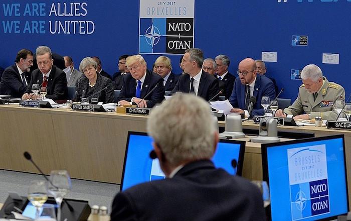 NATOk bat eginen du Estatu Islamikoaren aurkako nazioarteko koalizioarekin