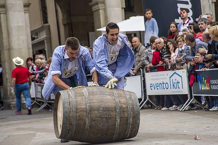Ardo upel lasterketa egin dute blusek eta neskek bigarren urtez. ©Jaizki Fontaneda / Argazki Press