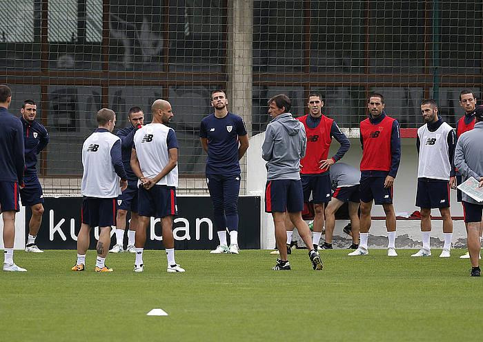 Athleticeko jokalariak, entrenatzen. / ©Luis Tejido, EFE