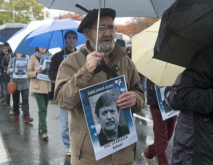 Rafa Diezen argazkia, presoen aldeko 2012ko martxa batean. ©JON URBE / ARP