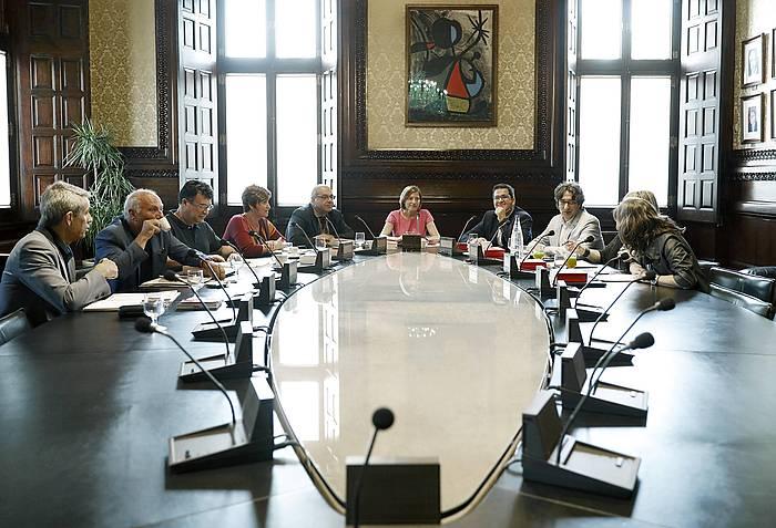 Kataluniako Legebiltzarreko Mahaia, bilduta. ©ANDREU DALMAU / EFE