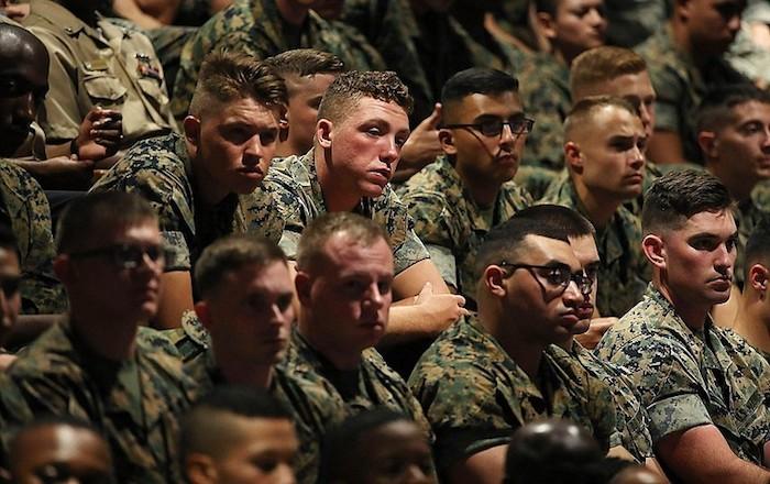 Hitzemandakoaren aurka, soldaduak bidaliko ditu Afganistanera Trumpek