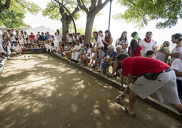 Mikel Zeberio, botxa jaurtitzeko prest, atzoko finalean. ©Iñigo Uriz / Argazki Press