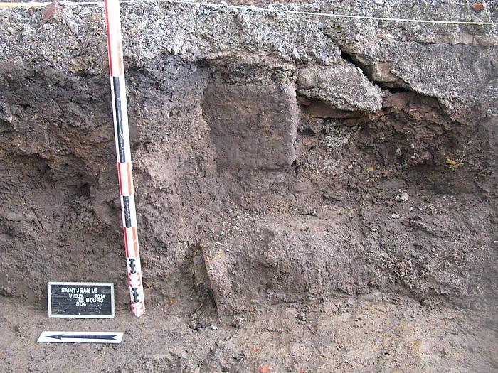 Zeramika eta hezurdurak aurkitu zituzten azaroan Donazaharren. ©/ INRAP