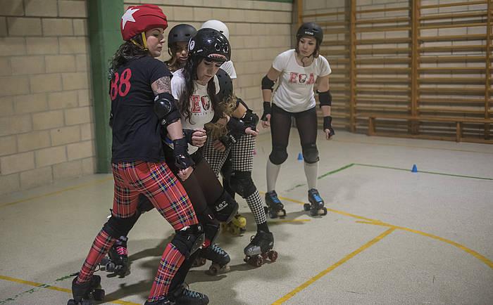 Easo Avenger Roller Derby taldearen entrenamendua. ©Andoni Canellada / Argazki Press
