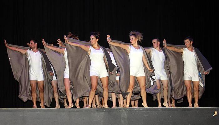 Baküna Show, Zuberoako hainbat dantzarik sortu duten ikuskizuna. ©Jean Louis Belhartx