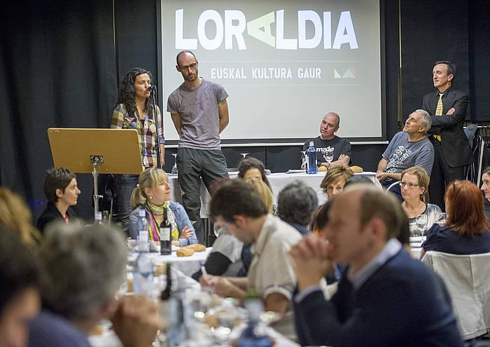 Maialen Lujanbio eta Amets Arzallusek atzo egindako bertso saioa. ©Marisol Ramirez / Argazki Press