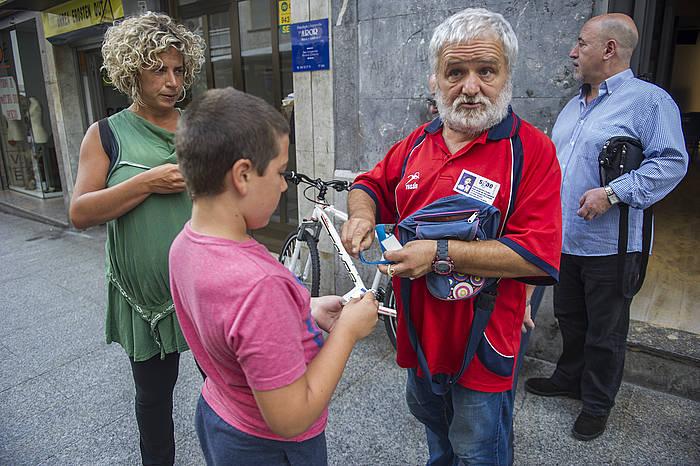 Jose Antonio Alberdi 'Goma', Amaña auzoko jaietako antolatzaile beteranoa da. ©Juanan Ruiz / Argazki Press