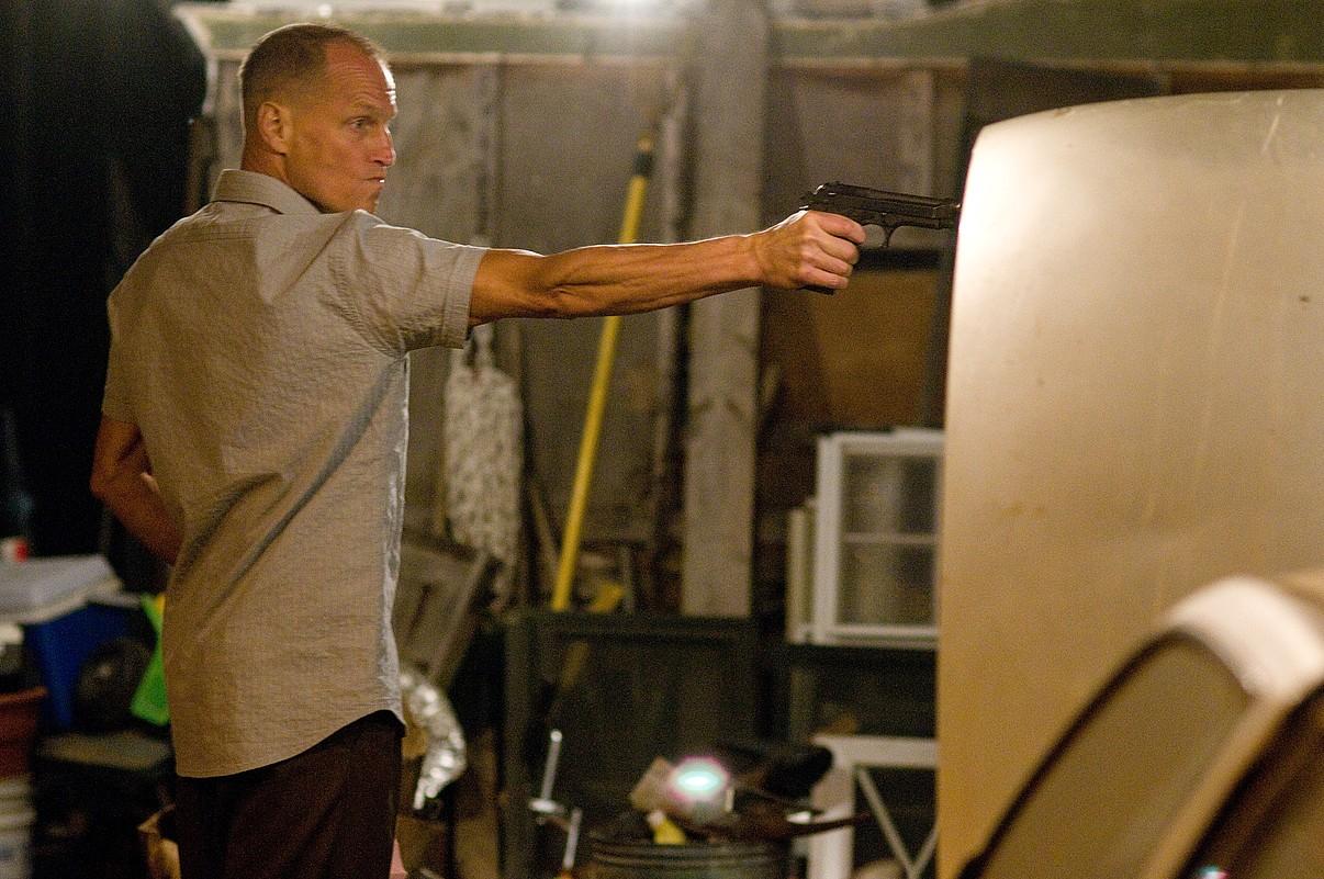 <em>Rampart </em>filmaren fotograma bat; Oren Movermanen bigarren lana da, 2009an <em>The Messenger </em>egin eta gero. / Z / BERRIA