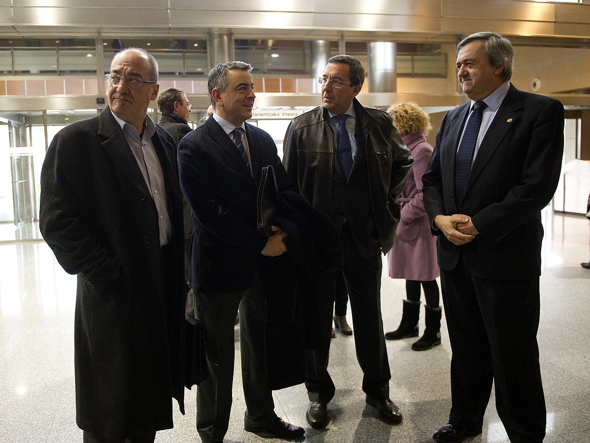 Garitano, De Andres eta Bilbao diputatu nagusiak, Agirre Ekonomia sailburuarekin, atzo.