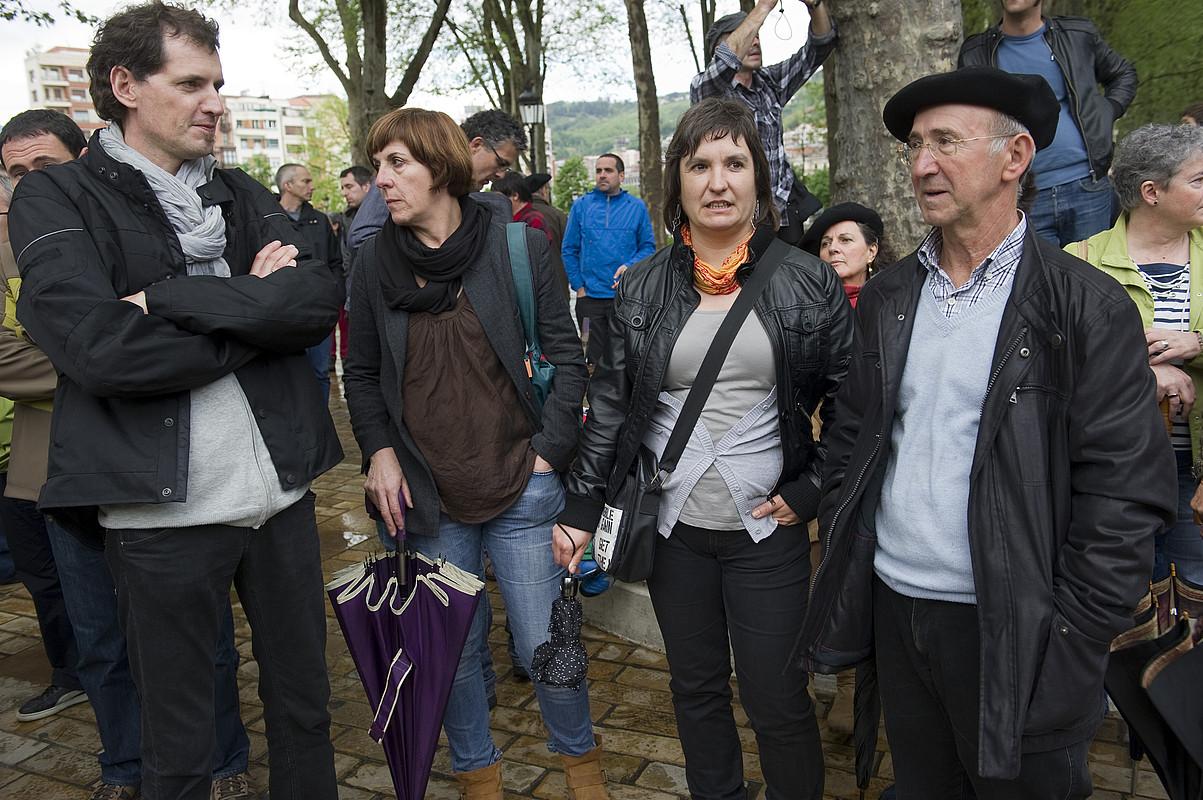 Ezker abertzaleko kideak, manifestazioa abiatu aurretik..