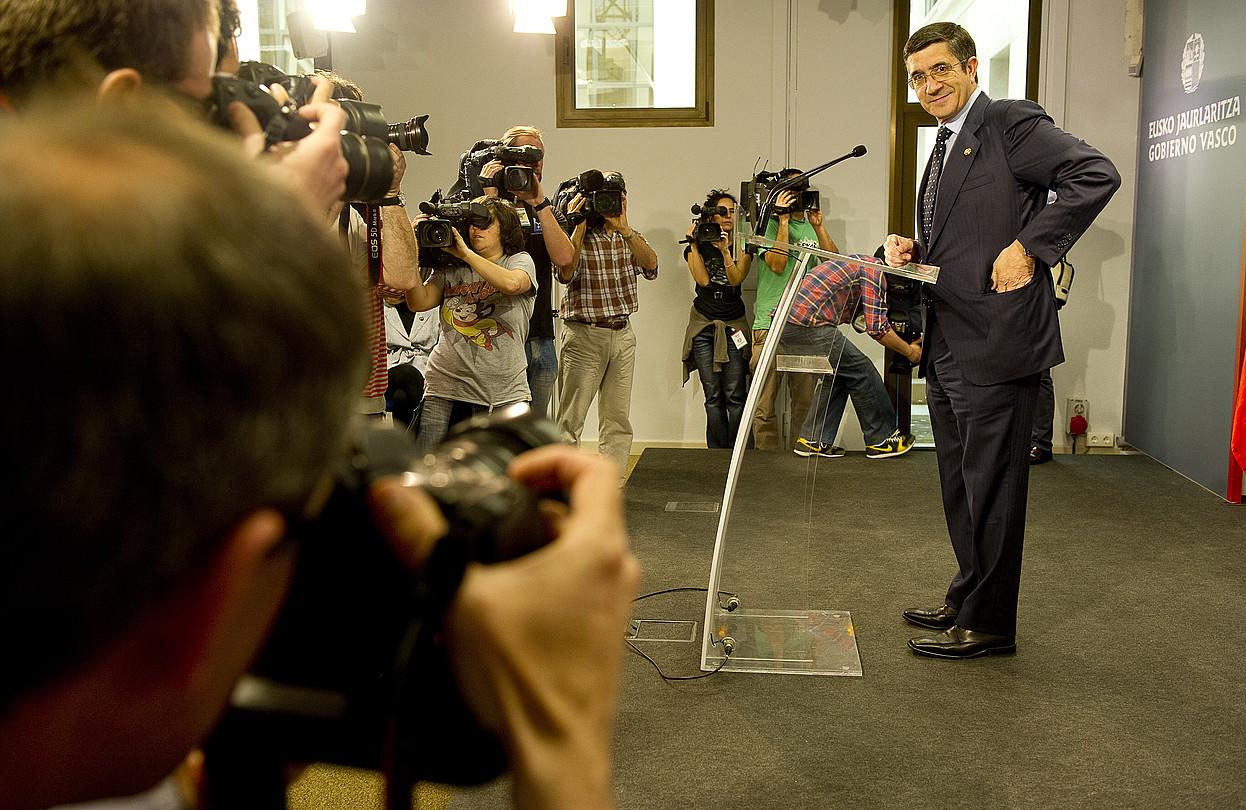 Ikusmin handia piztu zuen Patxi Lopez lehendakariak atzo Lehendakaritzan egindako agerraldiak.