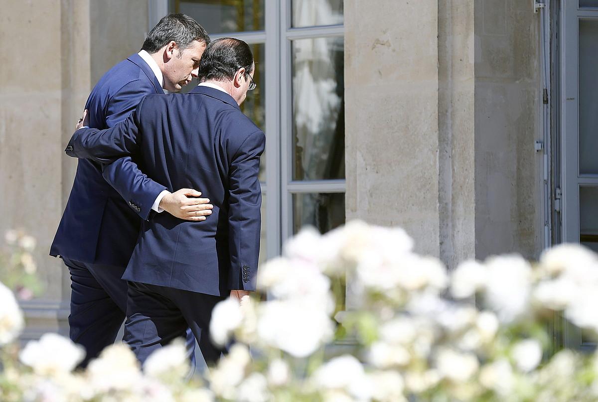 Mateo Renzi Italiako lehen ministroa eta François Hollande Frantziako presidentea, joan den ekainean egindako bileran. ©ETIENNE LAURENT / EFE