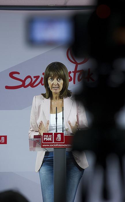 Idoia Mendia, atzo, Bilbon egindako agerraldian. ©LUIS JAUREGIALTZO / ARGAZKI PRESS