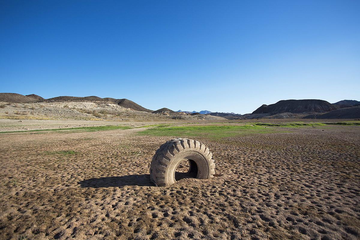 Mead aintzirak (Nevada, AEB) inoizko ur maila txikiena dauka; Hoover presa eraikitzean sortu zen, 1937an. ©JIM LO SCALZO / EFE