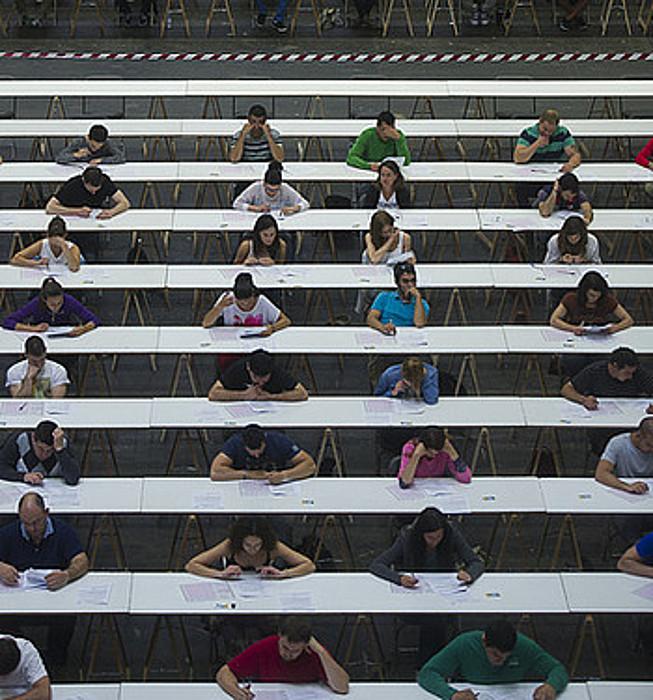 Ertzain izateko azterketak. ©L. J. / ARP ARPAGENTZIA