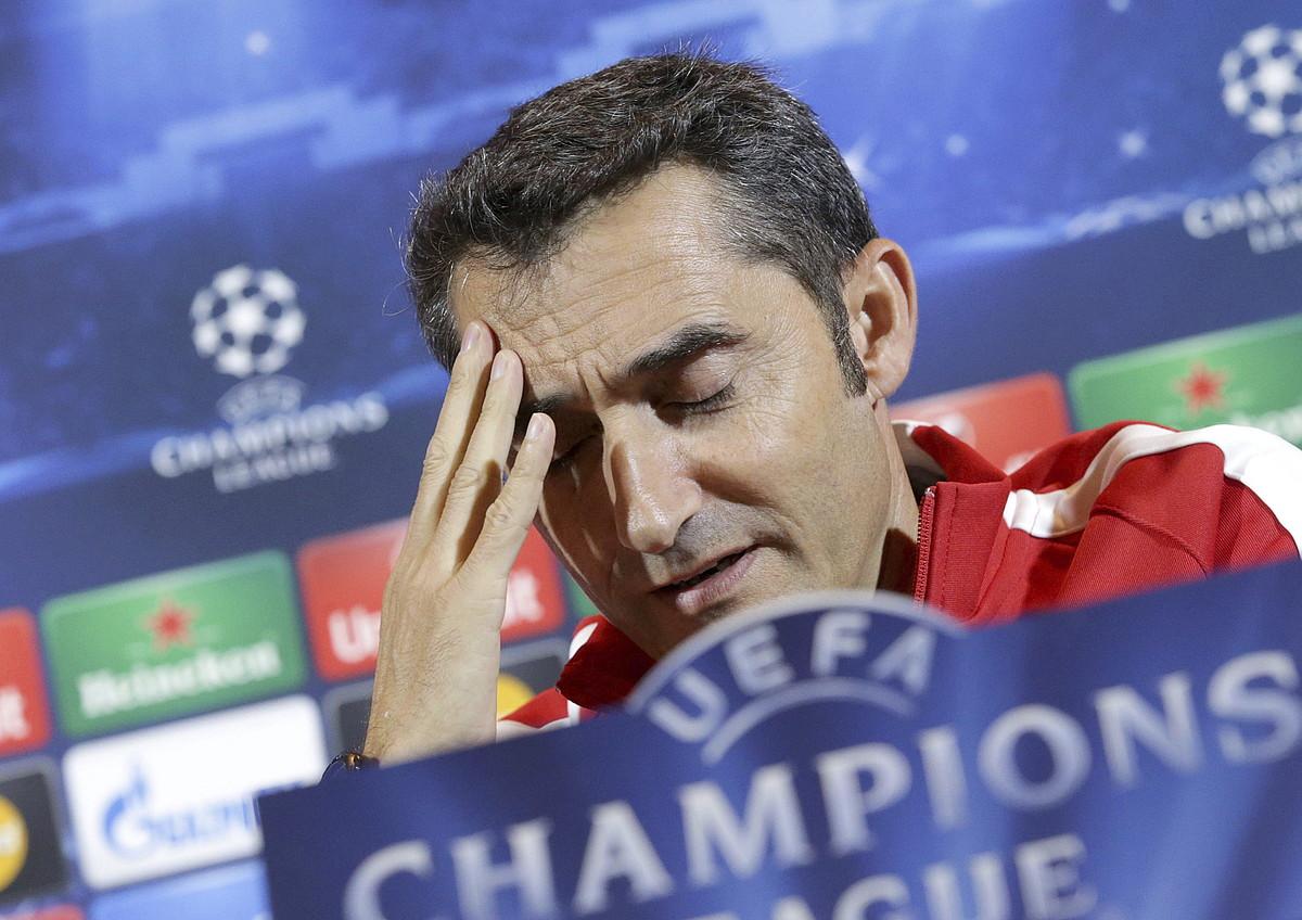 Ernesto Valverde, pentsakor, BATE Borisoven aurkako partidaren bezperan. ©TATIANA ZENKOVITX / EFE