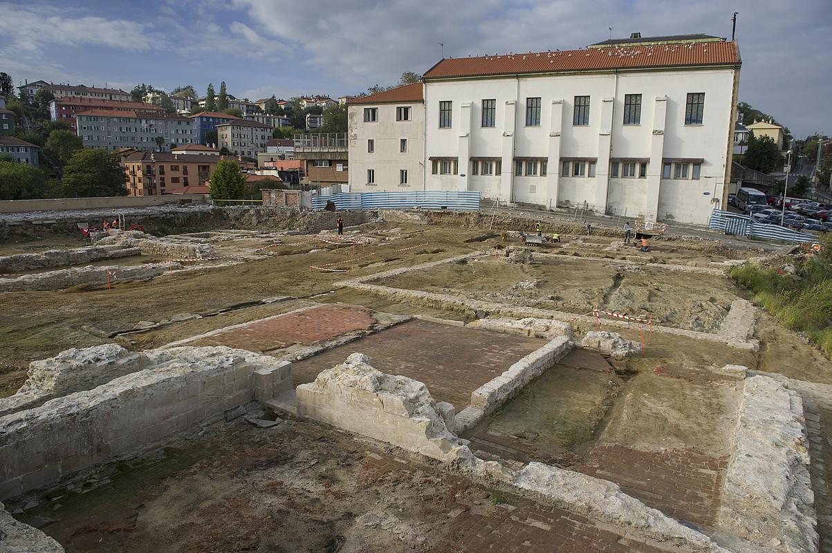 Donostian, San Bartolome muinoan indusketa lanak egin dituzte. ©JON URBE / ARGAZKI PRESS