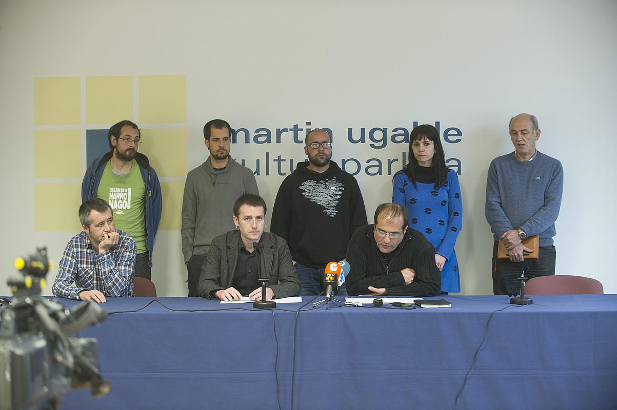 Lehiaketa irregulartasunak hasi zirenetik «berrartzeko» eskatu zuten iaz Euskal Irrati Zerbitzuek eta Antxeta, Araba eta Justuri irratiek. Jaurlaritzak ez du halakorik egingo.