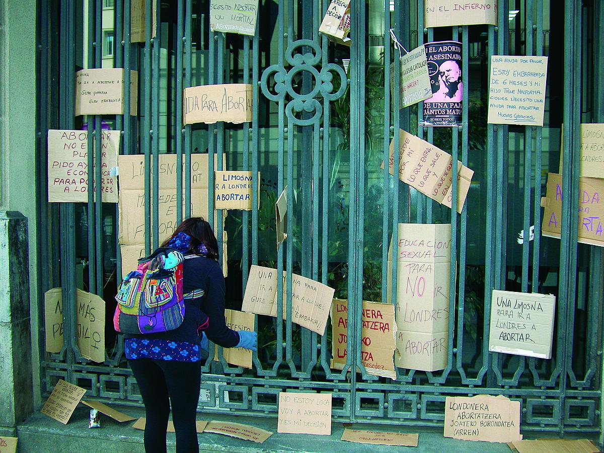 Gallardonen abortoaren legearen aurka borroka egin du Maria Maeztu Forum Feministak, bertzeak bertze.