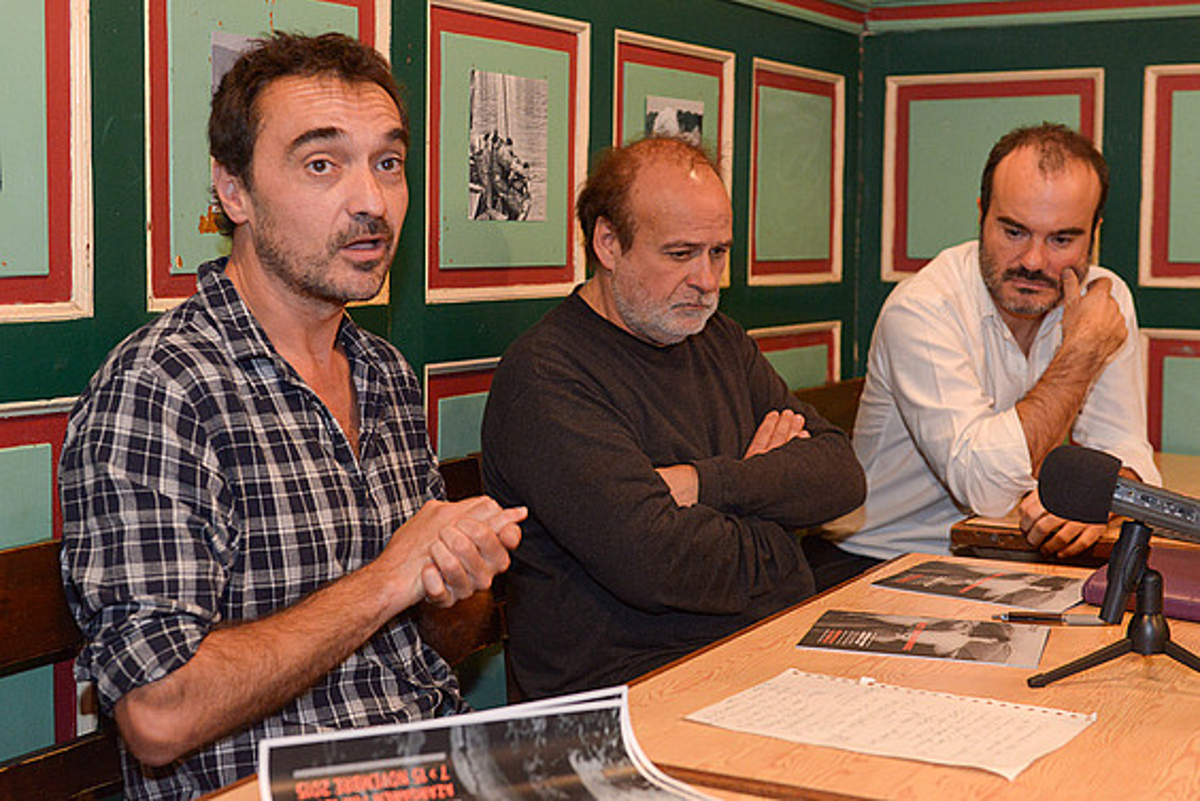 Frank Suarez, Pantxoa Etxegoin eta Oskar Alegria, zikloaren aurkezpenean. ©ISABELLE MIQUELESTORENA