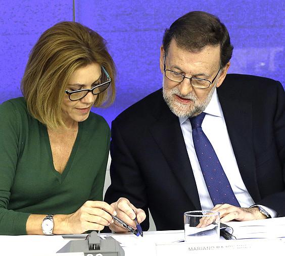 Maria Dolores de Cospedal eta Mariano Rajoy, atzo, Madrilen, Espainiako PPko zuzendaritzaren bileran. / KIKO HUESCA / EFE